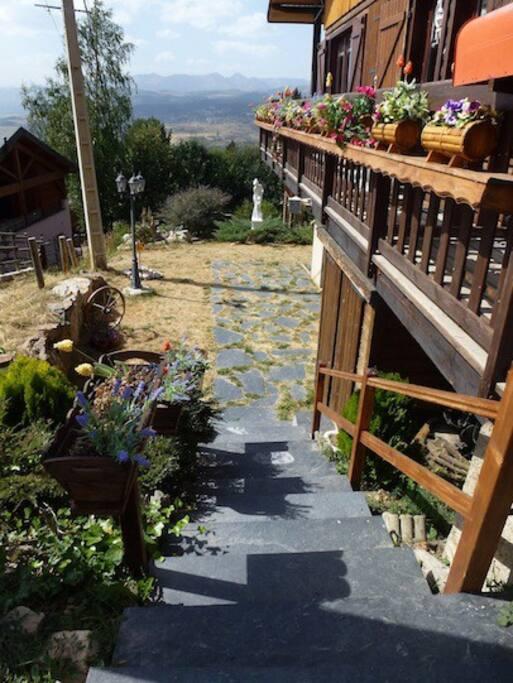 escaleras de casa y jardín