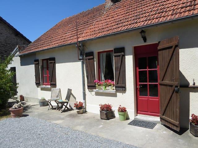 Les Deux Sapins - La Châtre-Langlin - Talo