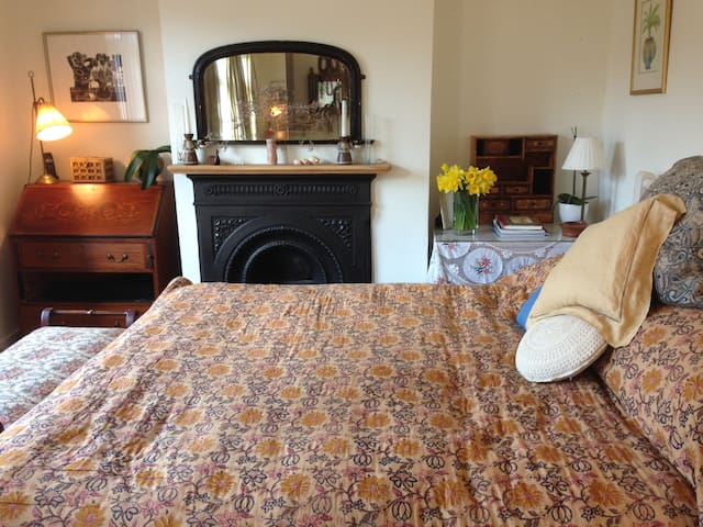 Cosy, tranquil double room near all amenities - Royal Tunbridge Wells - Huis