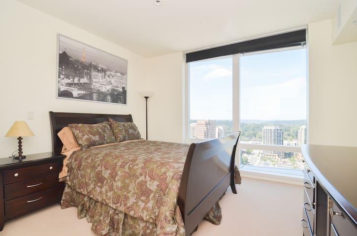 Luxury Condo, 30+ Floor Suite