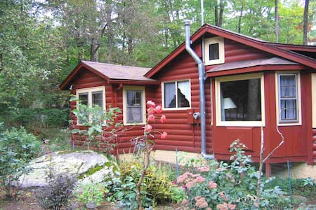 Romantic Catskills Cabin - Smallwood - กระท่อม