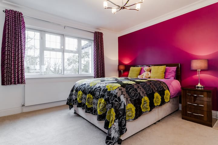 Cockfosters, North London: Superior Double Room
