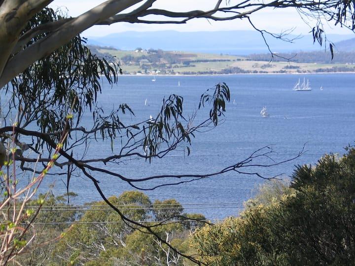 Hobart - The Artist's Garden