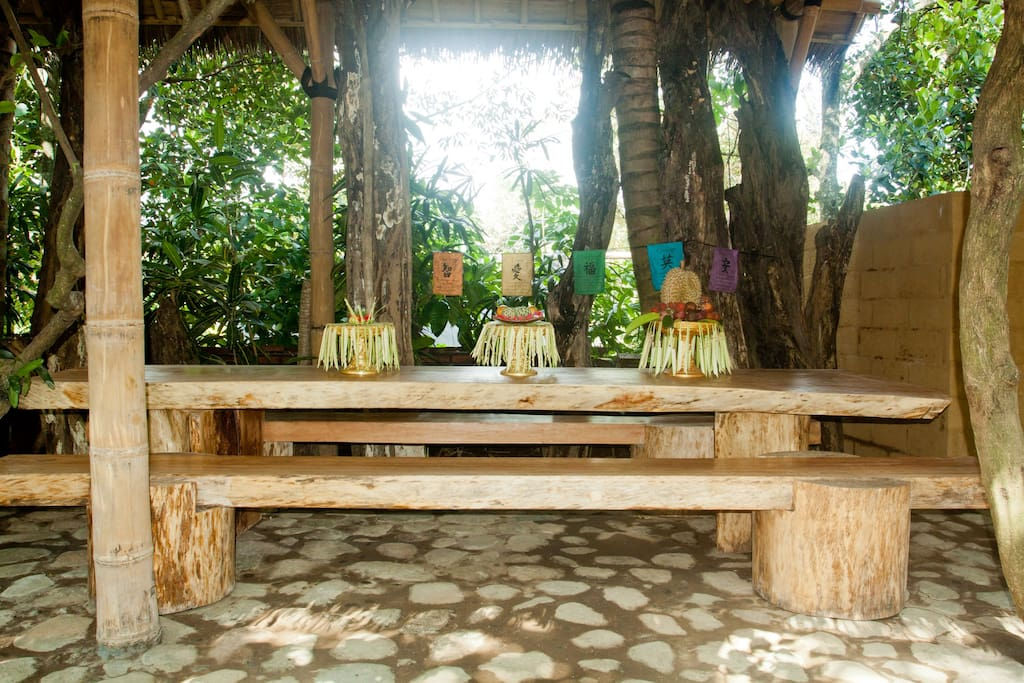 Outdoor Dining Room. Ask to include meals in your Stay and experience Traditional Balinese Home cooked Dishes.