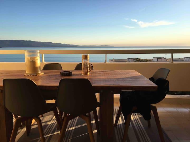 Grand Studio design avec vue sur golfe d'Ajaccio