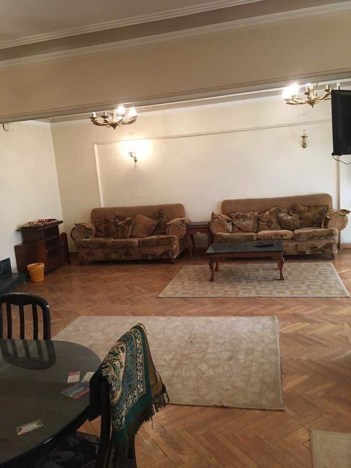 4 rooms apartment few minutes from Abbas el Akkad