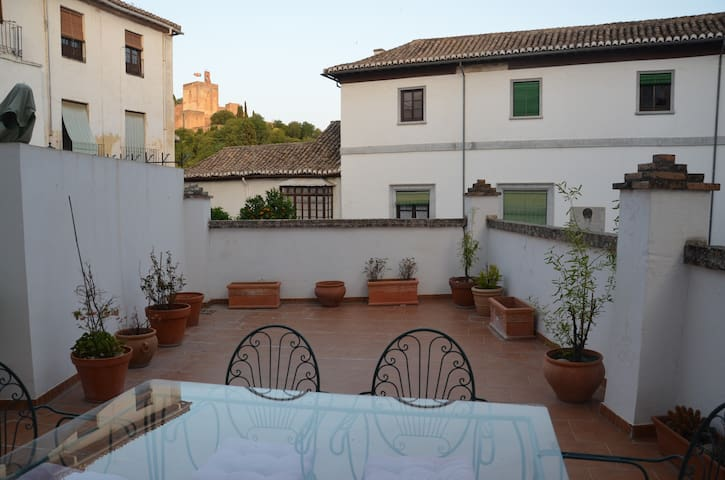 Perfect space in Albayzin, terrace + Alhambra view