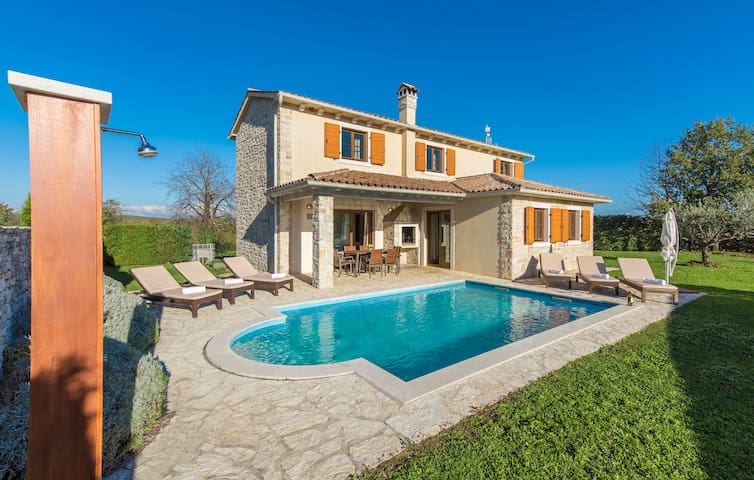 Villa Terca, 4 Bedroom, Private Pool and Sauna