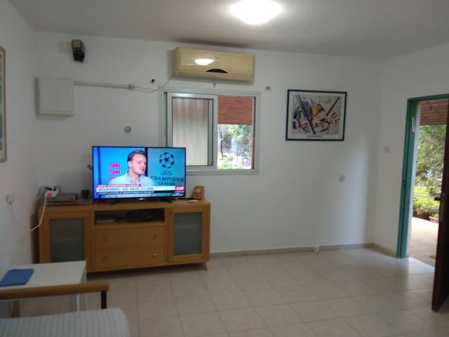 , Entrance door Living Room and kitchen