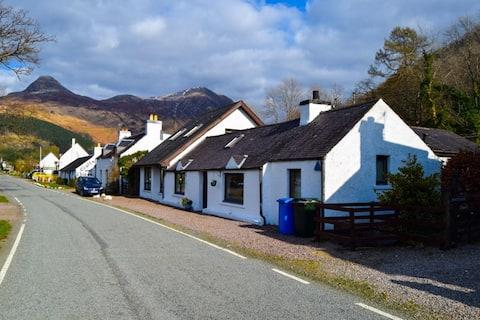 Minard Cottage, highland cottage,  Glencoe
