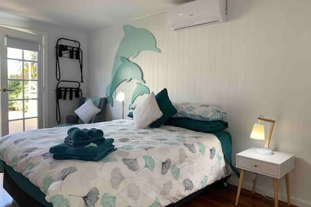 🐬Dolphin Cottage🐬 ⭐️ Melbourne Cup Special ⭐️