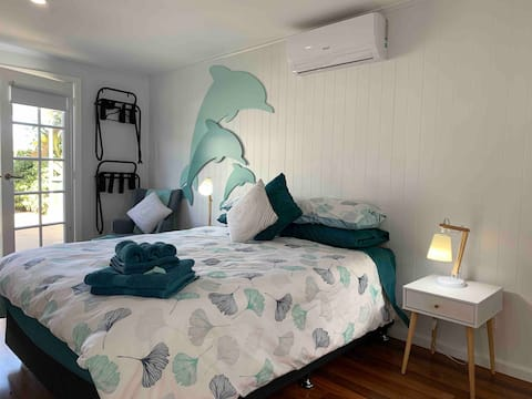 🐬Dolphin Cottage🐬