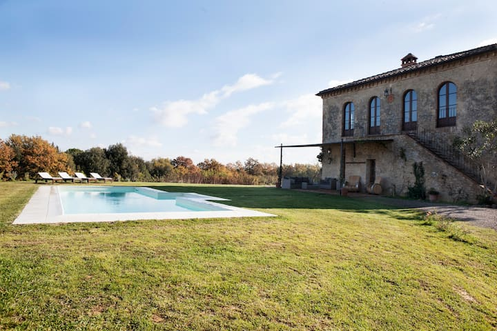 Il Fienile - Exclusive Villa with 4 Bdrs