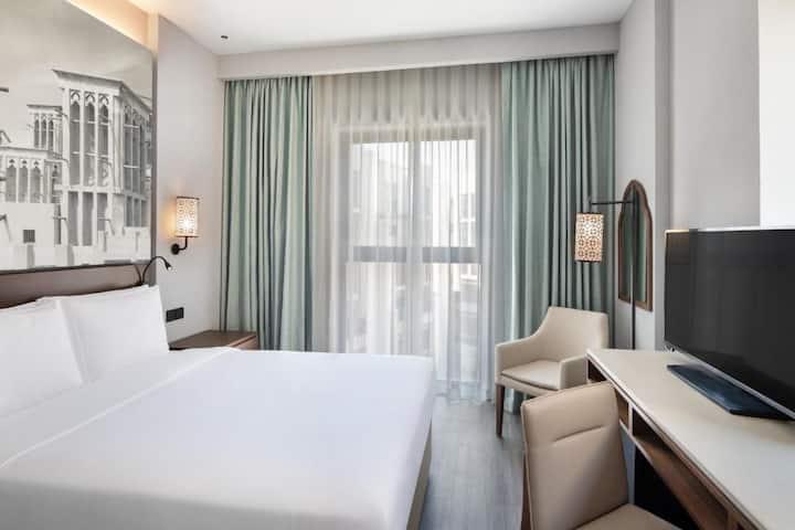 Include Breakfast Amazing Hotel located Old Dubai