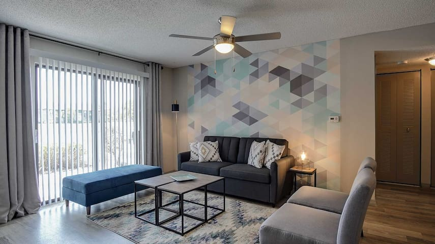 Style and Serenity at the Fountains (2BR/2BA)