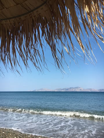 *Ante Hydra Beach House* - Relaxed seaside holiday