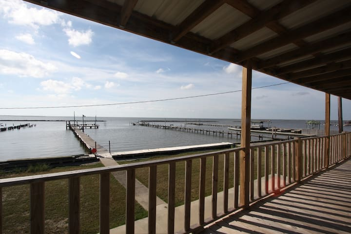 Tipsy Tuna is Waterfront in Grand Isle with a fishing pier & boat access