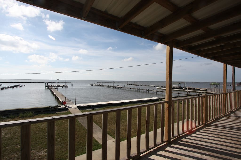 Tipsy Tuna Is Waterfront In Grand Isle With A Fishing Pier