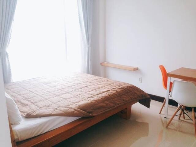 Cheap King studio apartment in Son tra Da Nang