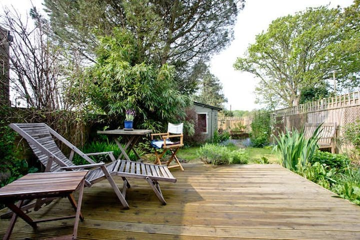 Beautiful, cosy cabin in Dartington - Dartington - House