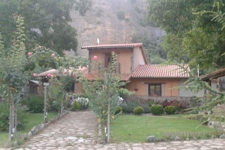 Habitaciones en casa de campo - Panzares
