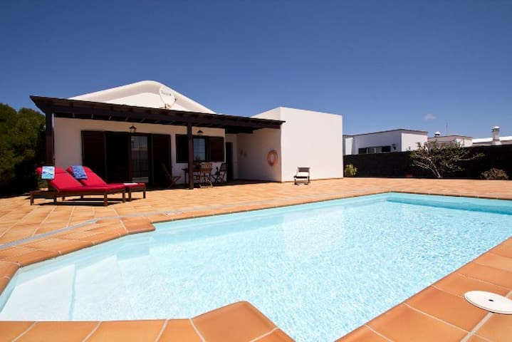 Villa Candi Private Pool wifi 2 beds