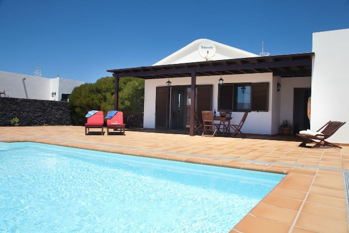Villa Candi Private Pool wifi 2 beds