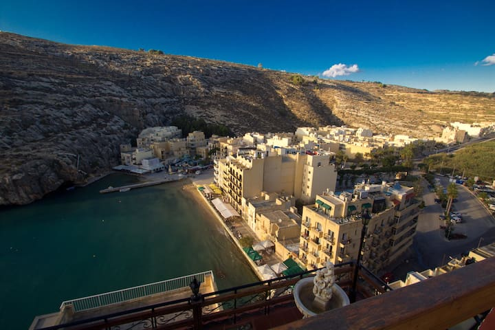 Small flat with breathtaking view! - Xlendi - Lägenhet
