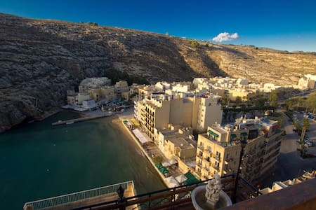 Small flat with breathtaking view! - Xlendi - Daire