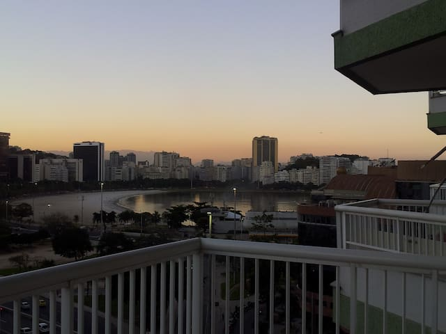 Cozy and Spacious 1 bedroom apt. in Botafogo