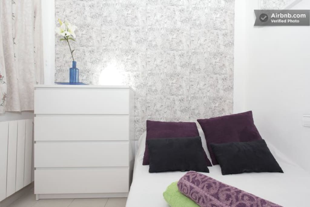 ROOM 1, DOUBLE BED 2 PERSONS