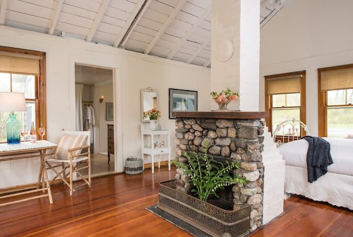 Room 405 - Garden Cottage - The Bradley Inn