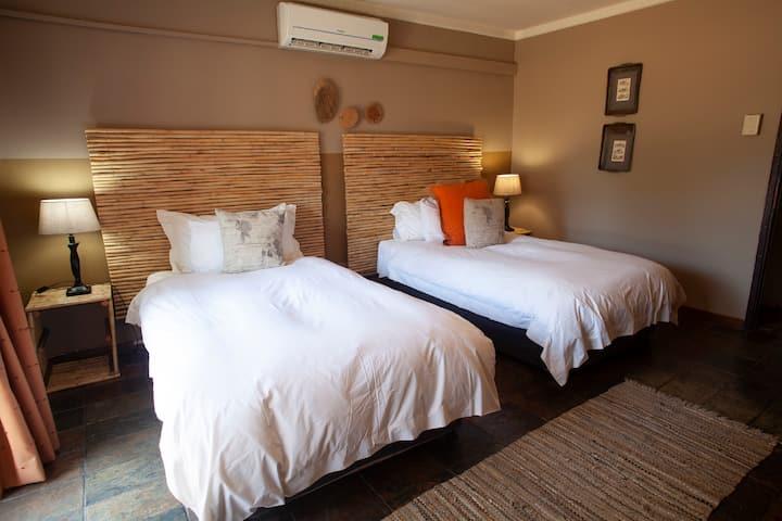 Luxury Twin Room @ Mziki Safari Lodge in Brits