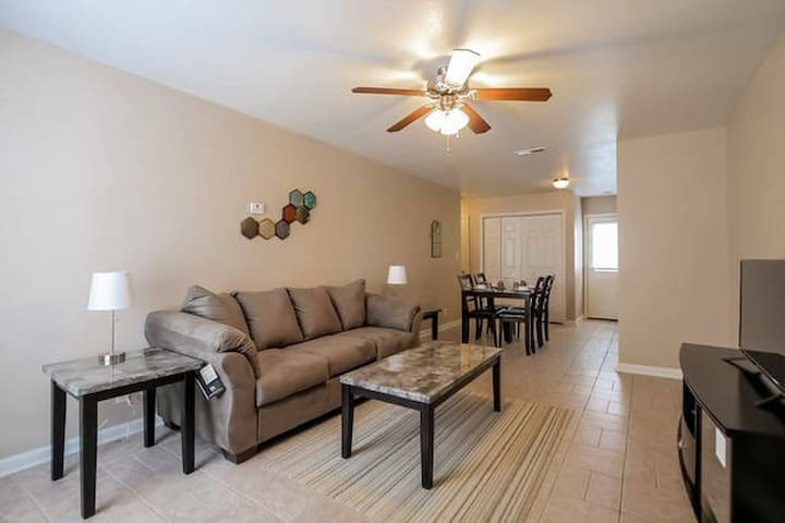 Fully Furnished, 3 Bedrooms (C3) - Clarksville