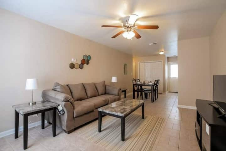 Fully Furnished, 3 Bedrooms (C3)