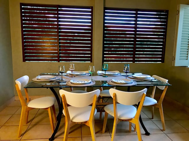 Dining for 6 in the fully enclosed patio