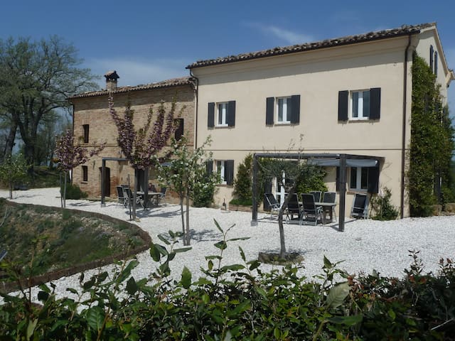 Prima Luce - Leisure Apartment - San Ginesio - Byt