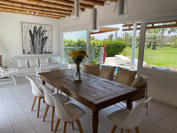 Linda Casa de Playa en exclusivo Condominio