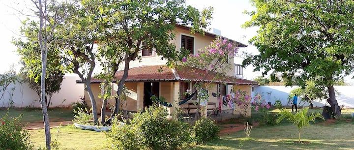 Casa de férias espaçosa-Vacation house by the sea.