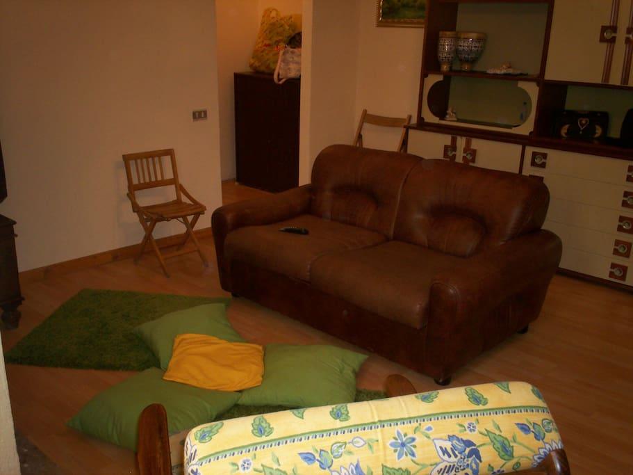 Divano letto in zona soggiorno