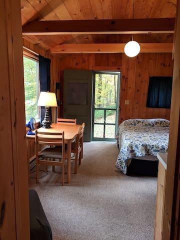 Mallard (studio cottage) - main room