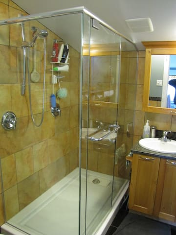 Two modern, clean full bathrooms