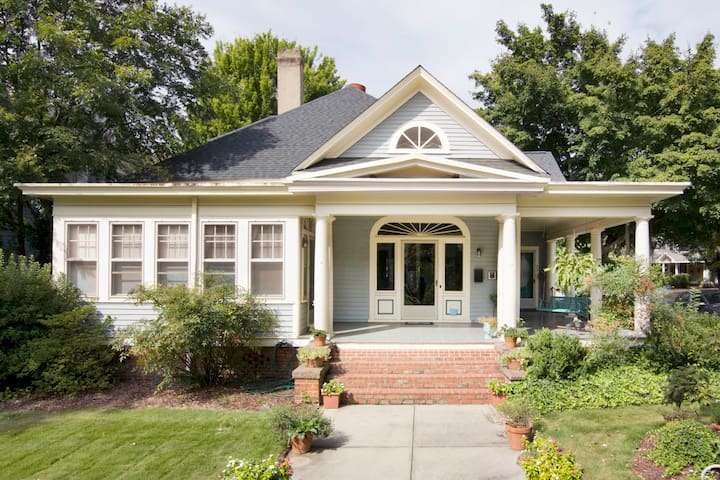Lovely historic home near downtown - Raleigh - Dům