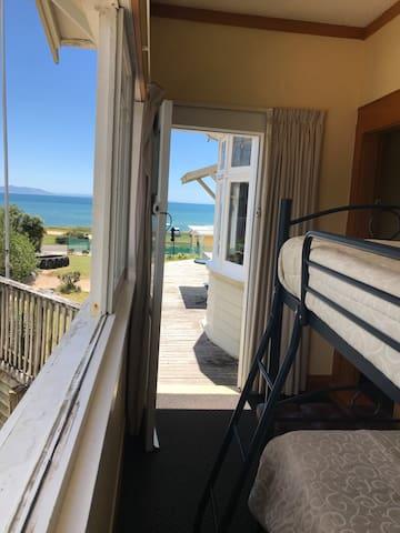 Bunk room to the sea/ Beach