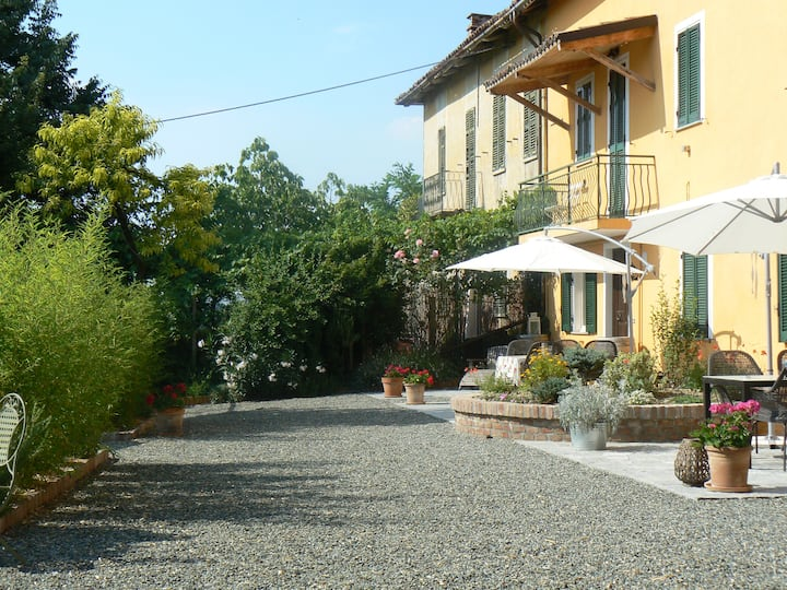 Village house in Agliano Terme