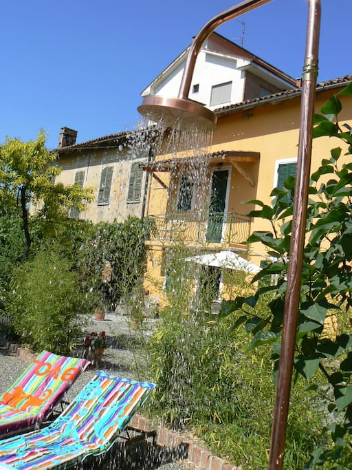 Cooling shower outdoor
