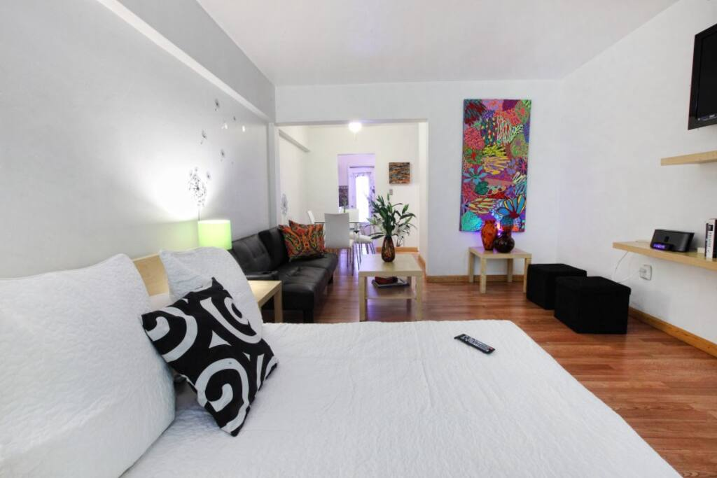 Spacious in the heart of Sobe,  The Best Location is pure Luxury and confort.
