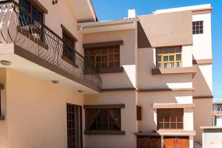 Spacious Apartment Walking Distance from Centro - Cuenca Canton - Appartement