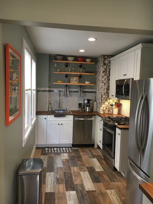 Beautiful galley kitchen suited for the novice to pro cook.