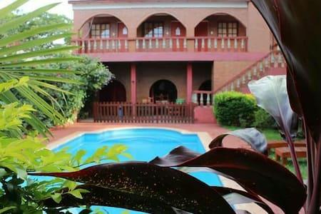 Residencial con exelente ubicación - Puerto Iguazú - Huoneisto